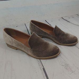 indigo rd. velvet loafers size 7.5